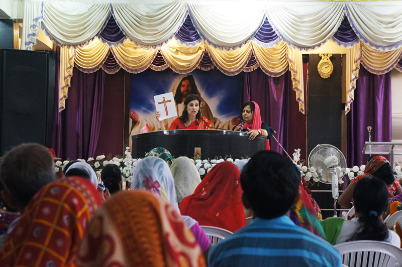 Susan teaching at the Kanpur All In Women's Conference